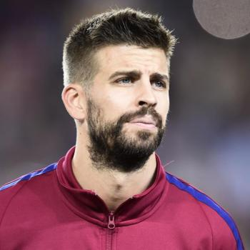 BARCELONA negotiations for the renewal of Piqué already started