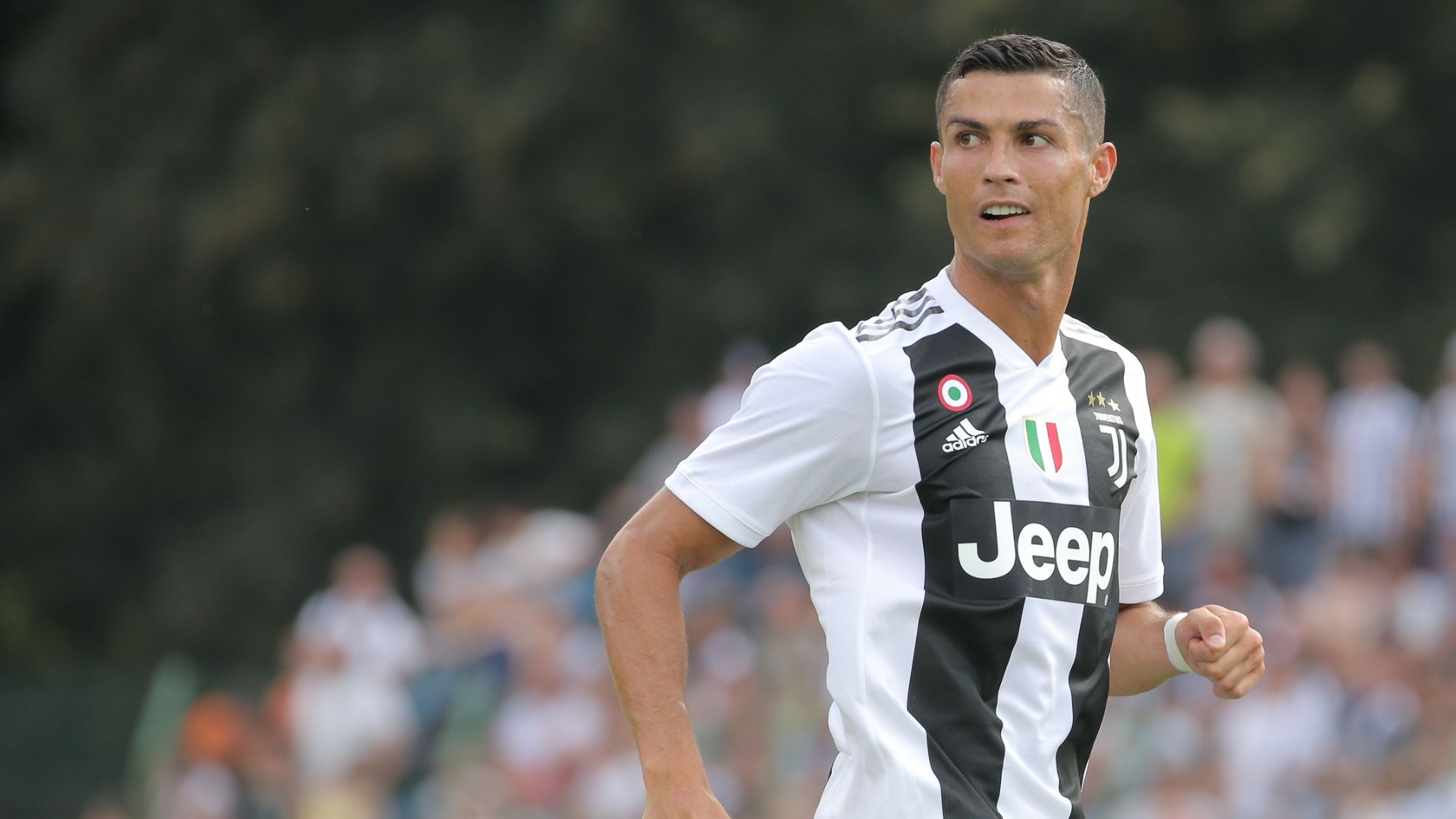 Roma sell big stars as The Ronaldo Show rolls into town