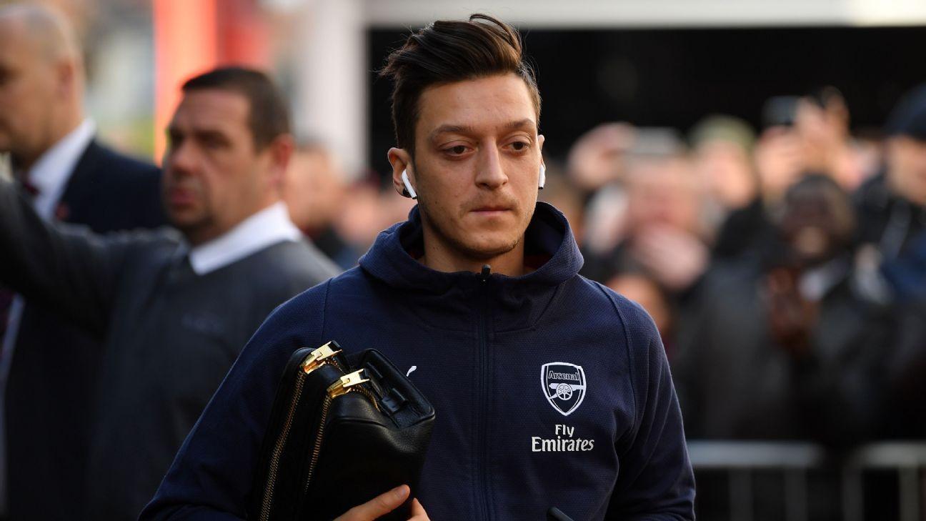 Arsenal's Mesut Ozil training separately with physios - Unai Emery