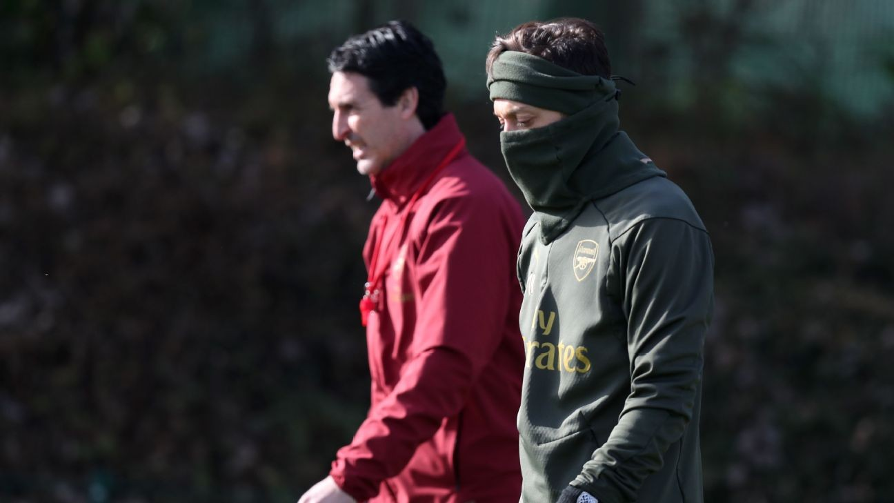 Arsenal's Ozil needs to be 'more consistent' to earn start - Emery