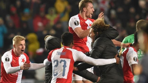 Sevilla stunned by late Slavia Prague goal in Europa League