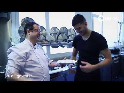 #LaLigaWorks: Jhonny Porto, el cocinero de la Real Sociedad